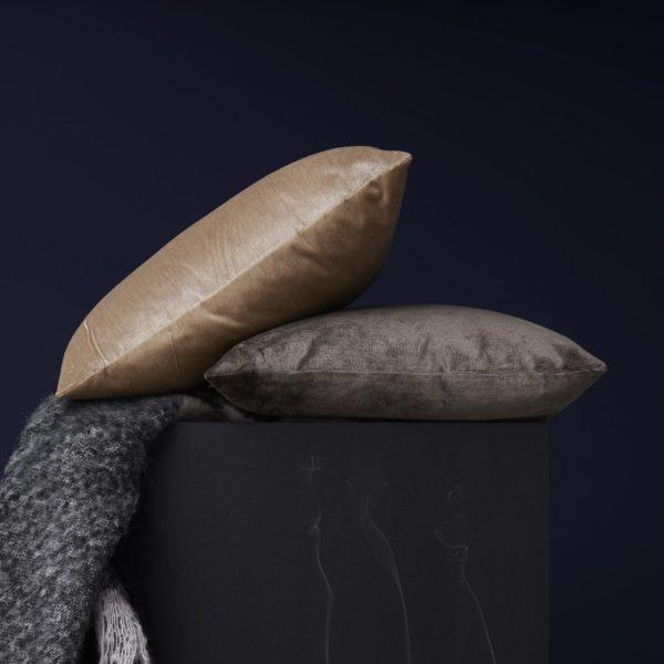 Sfeer velvet cushion new works