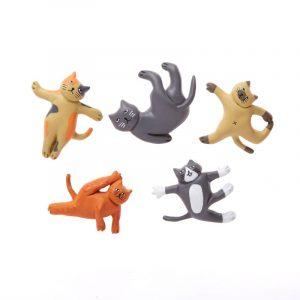 kikkerland cat yoga magneten