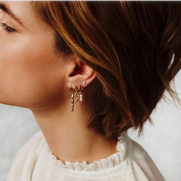 Flawed Triple pearl hoop gold